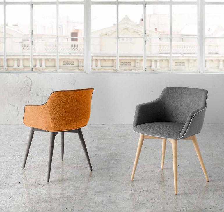 Silla tapizada dise o gaudajira muebles d azmuebles d az for Sillas descanso modernas