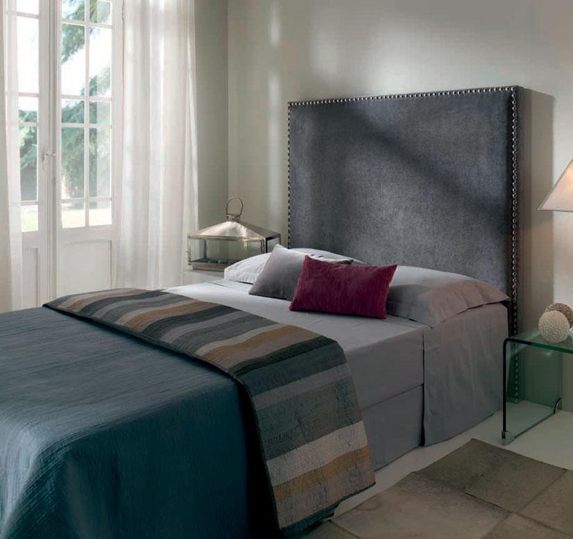 Cabecero tapizado avedi muebles d azmuebles d az - Cabeceros tapizados con tachuelas ...