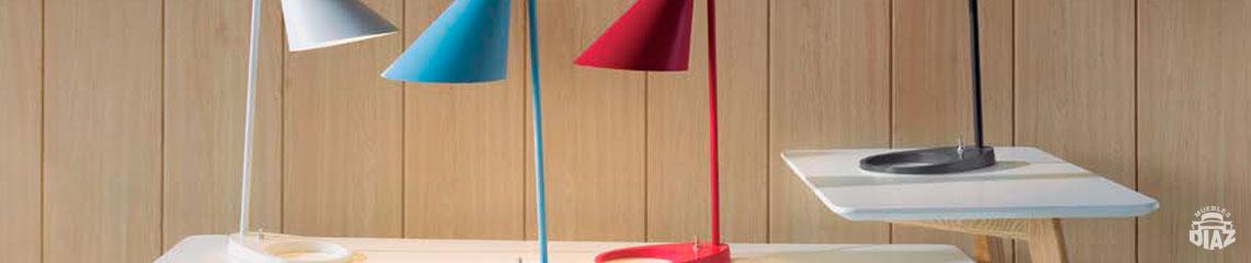 Zona de iluminación en Muebles Díaz. Lámparas para tus casaMuebles Díaz