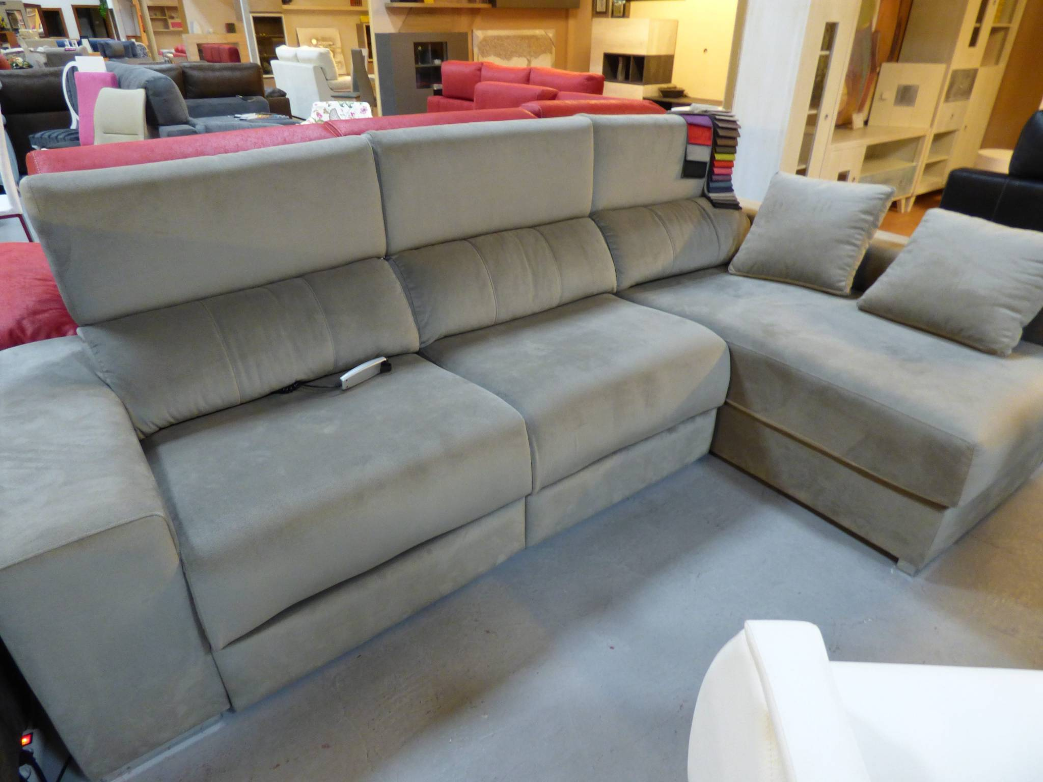 Chais longue en liquidacion muebles d azmuebles d az for Liquidacion sofas